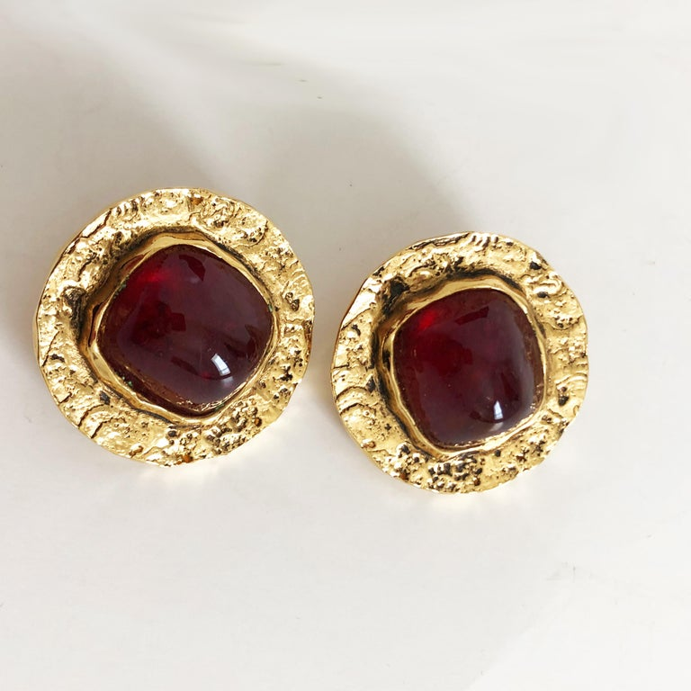 Chanel Red Glass Earrings with Textured Gold Setting Goossens Vintage 70s  For Sale 1
