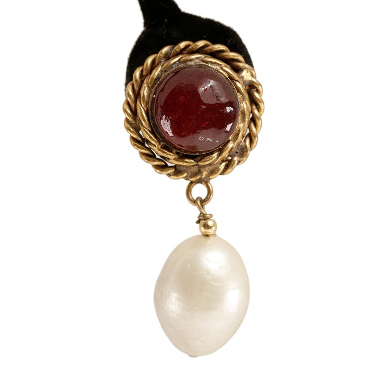 Chanel Red Gripoix and Pearl Clip On Earrings In Excellent Condition For Sale In Palm Beach, FL