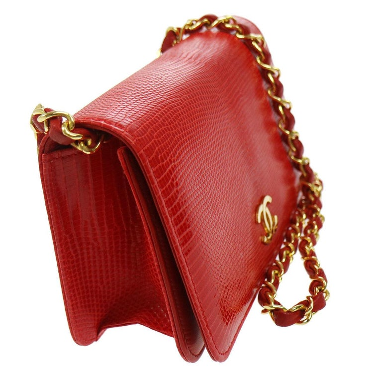 Chanel Red Lizard Exotic Leather Gold Small Shoulder Flap Bag in Box   Lizard Leather Gold tone hardware Leather lining Made in France Date code present Shoulder strap drop 16.5