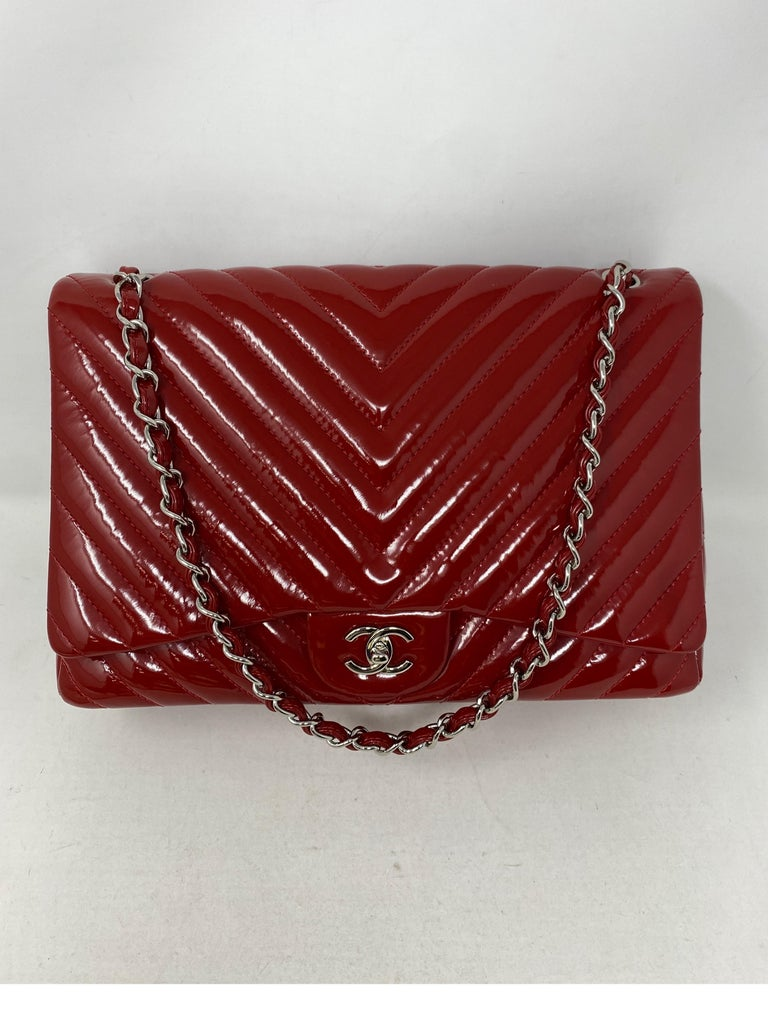 Chanel Red Maxi Chevron Patent Leather Bag For Sale 11