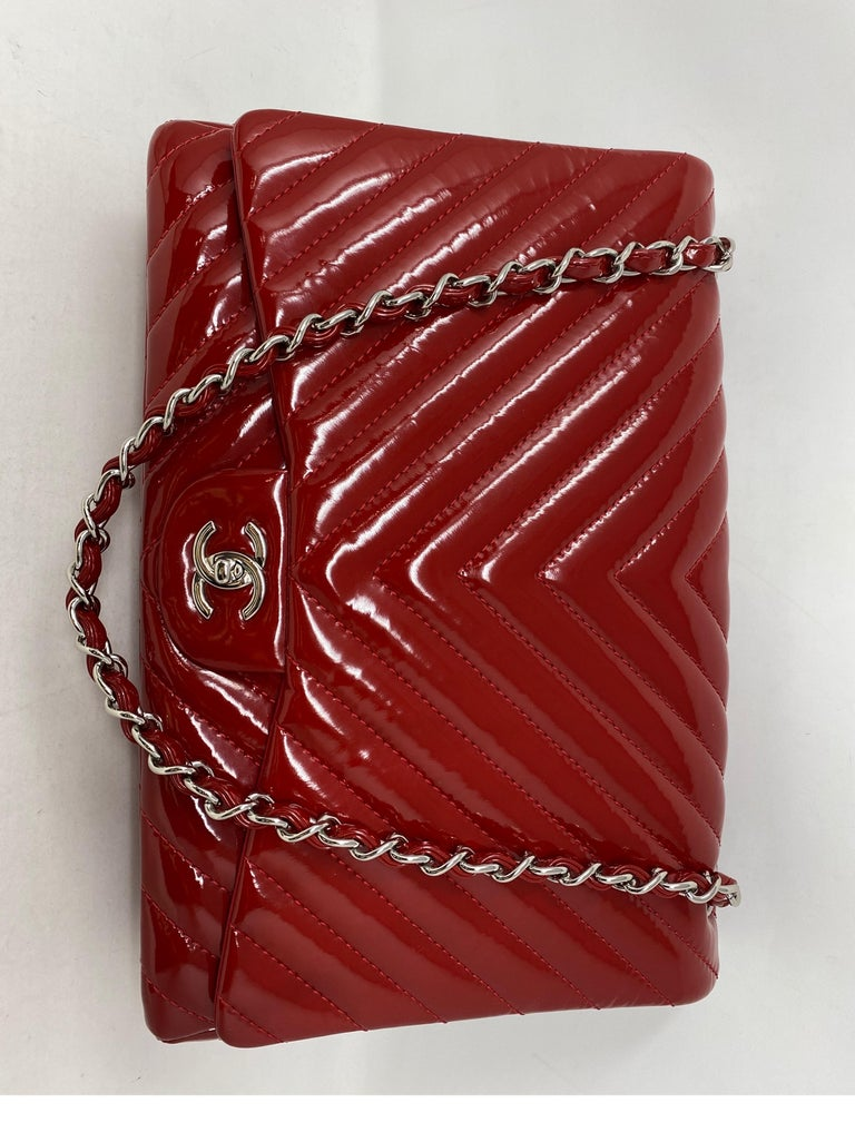 Chanel Red Maxi Chevron Patent Leather Bag For Sale 12