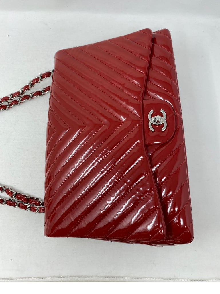 Chanel Red Maxi Chevron Patent Leather Bag For Sale 15