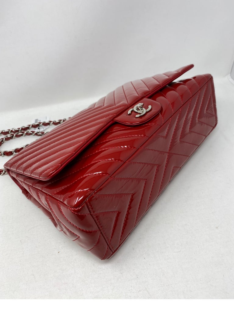 Chanel Red Maxi Chevron Patent Leather Bag In Good Condition For Sale In Athens, GA