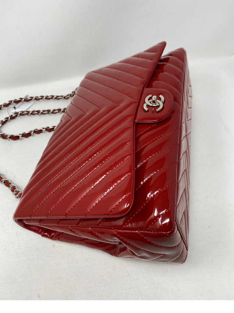Women's or Men's Chanel Red Maxi Chevron Patent Leather Bag For Sale