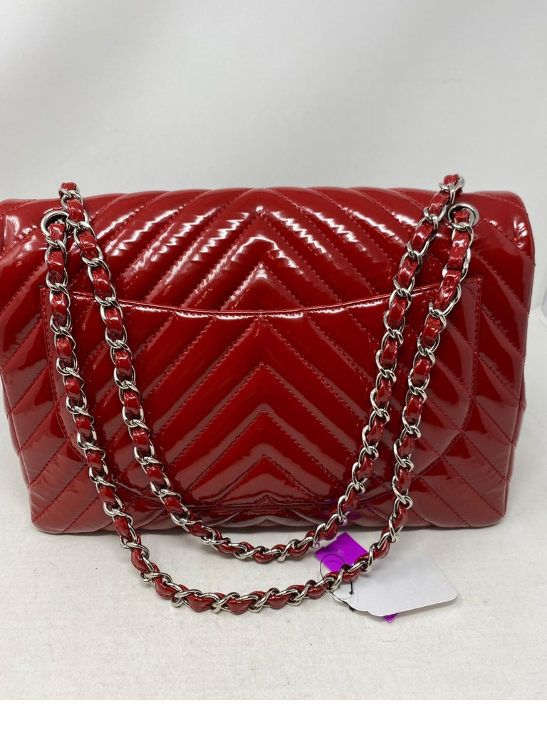 Chanel Red Maxi Chevron Patent Leather Bag For Sale 1