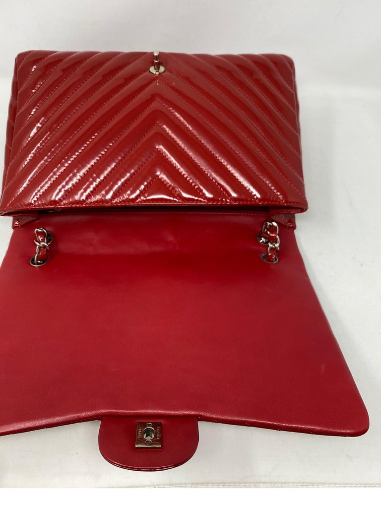 Chanel Red Maxi Chevron Patent Leather Bag For Sale 3