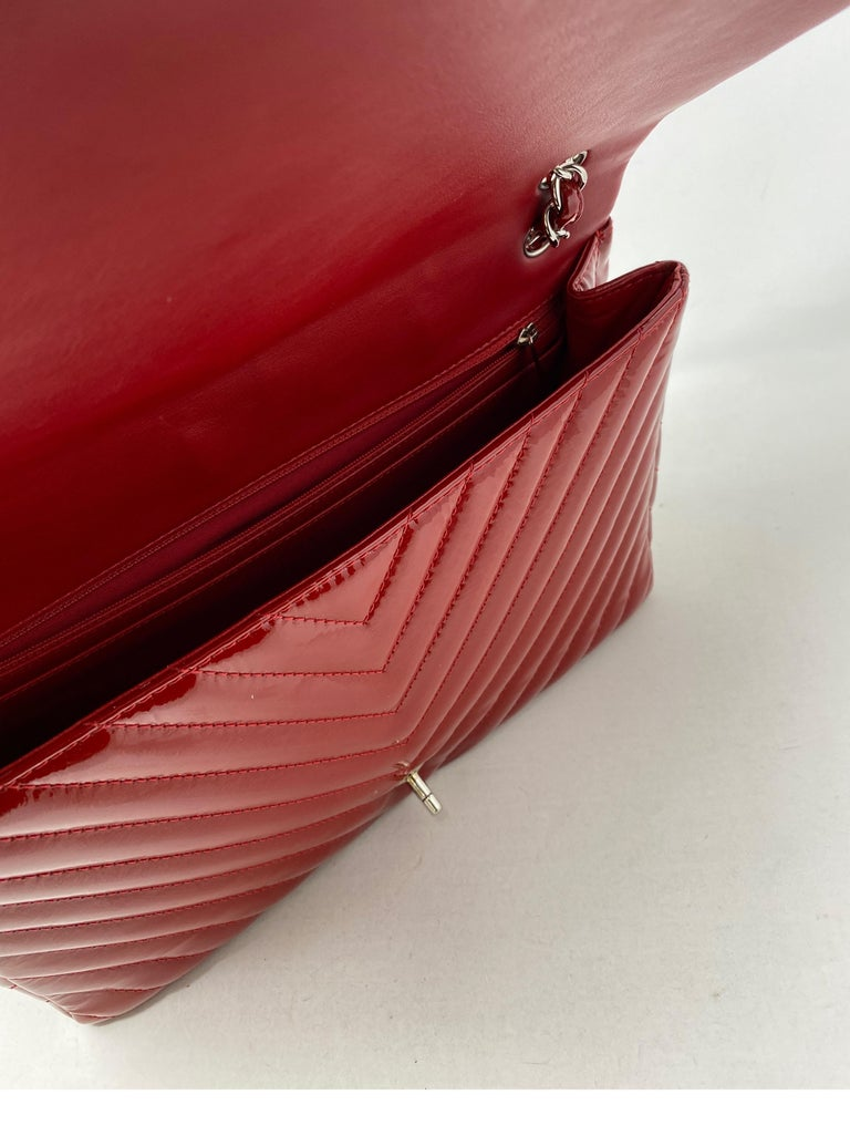 Chanel Red Maxi Chevron Patent Leather Bag For Sale 4