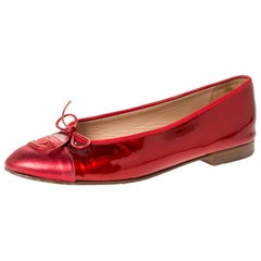 Chanel Red Patent And Leather CC Cap Toe Ballet Flats Size 40.5