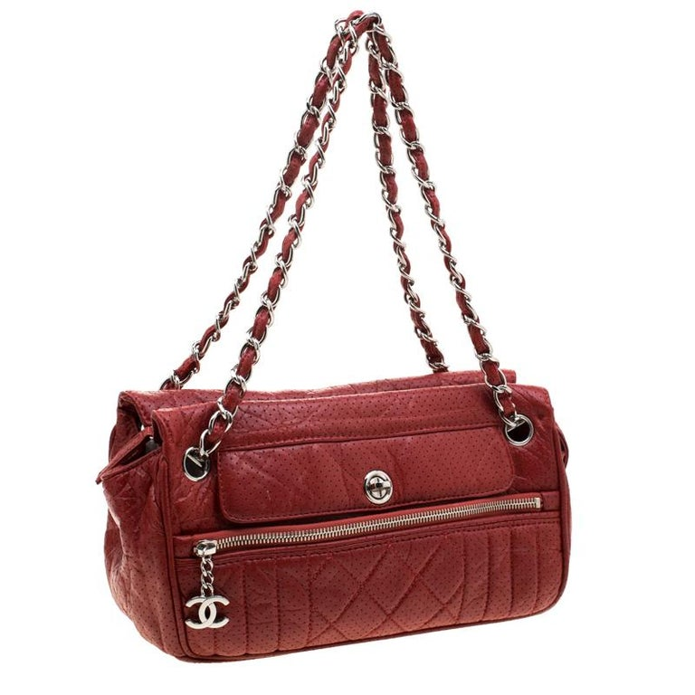 Chanel Red Perforated Leather Camera Bag In Good Condition For Sale In Dubai, Al Qouz 2