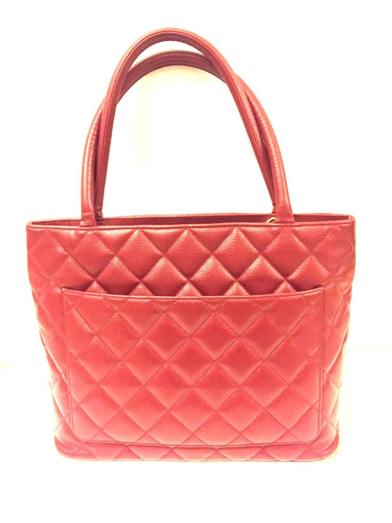 Chanel Red Quilted Caviar Tote Bag In Excellent Condition In Sheung Wan, HK
