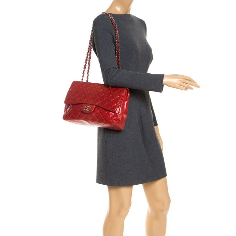 Chanel Red Quilted Leather Jumbo Classic Single Flap Bag In Good Condition In Dubai, Al Qouz 2
