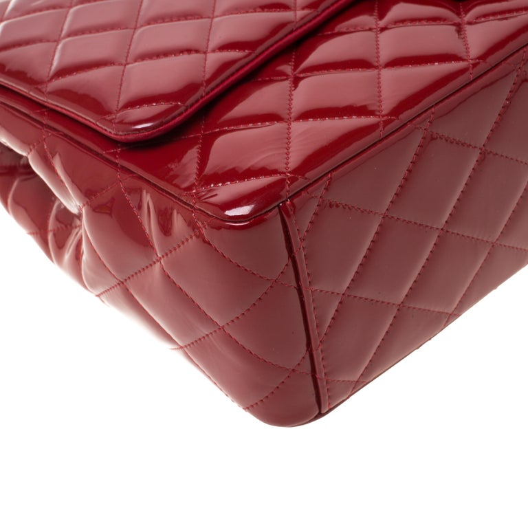 Chanel Red Quilted Patent Leather Maxi Classic Double Flap Bag For Sale 6