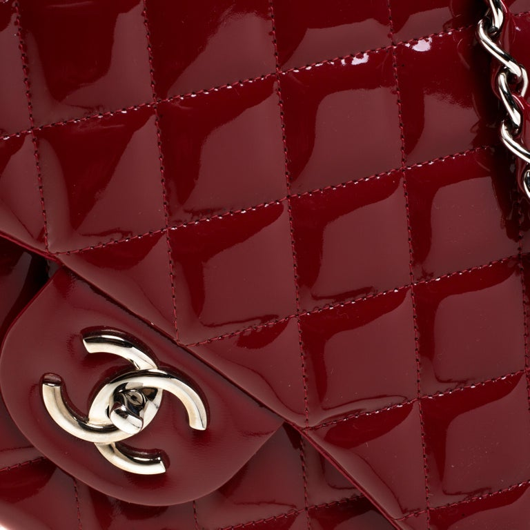 Chanel Red Quilted Patent Leather Maxi Classic Double Flap Bag For Sale 4