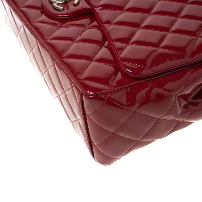 Chanel Red Quilted Patent Leather Maxi Classic Double Flap Bag For Sale 5