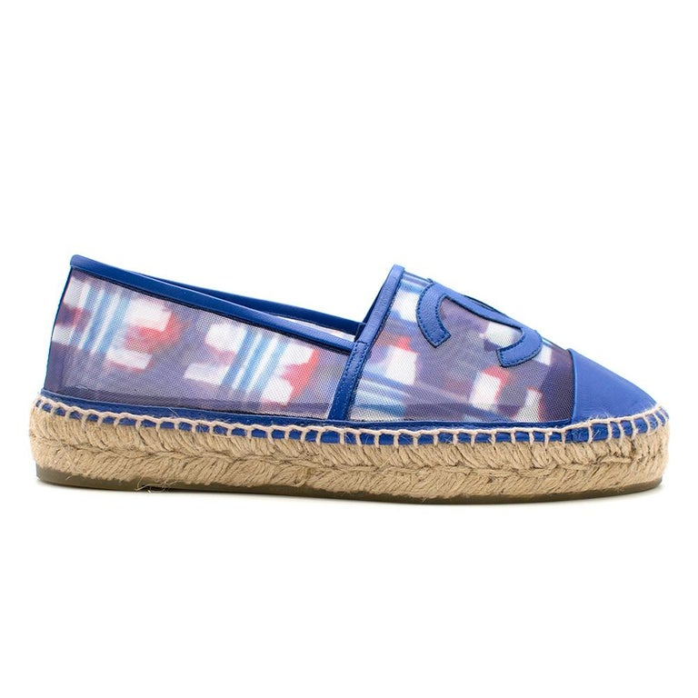 Chanel Red, White, and Blue Mesh Espadrilles SIZE 37 In Excellent Condition For Sale In London, GB
