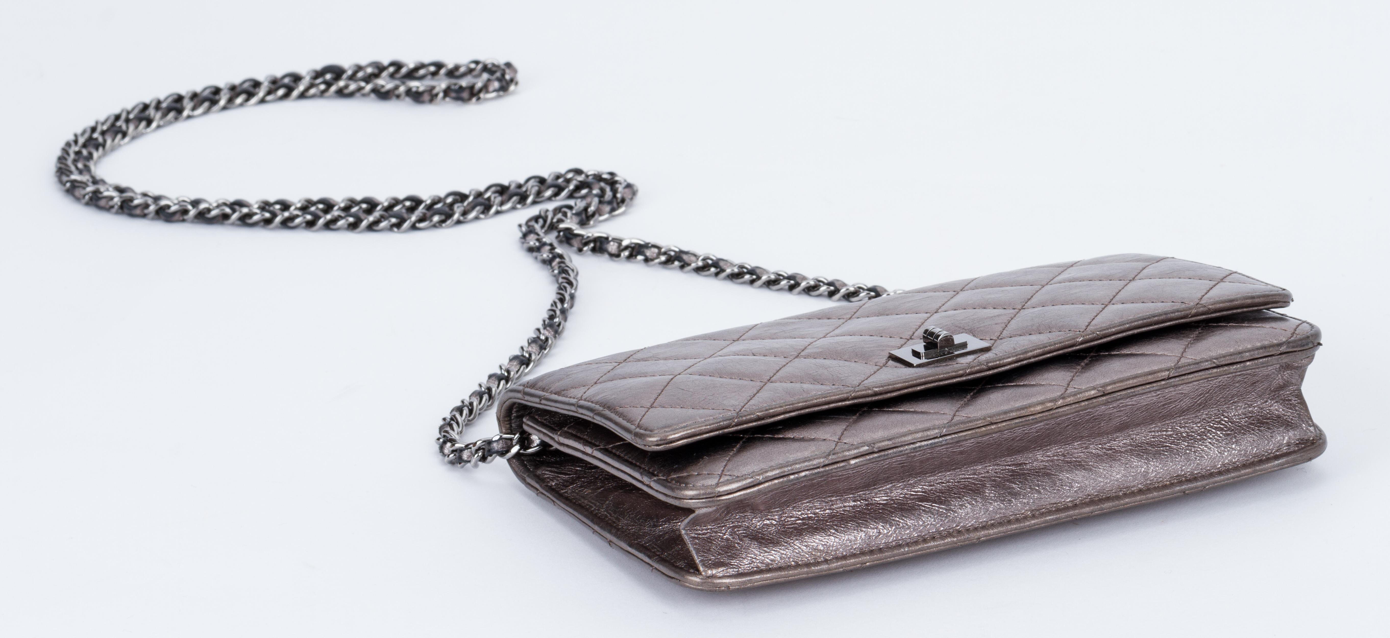 d050257a59c2 Chanel Reissue Pewter Wallet On A Chain Crossbody Bag at 1stdibs