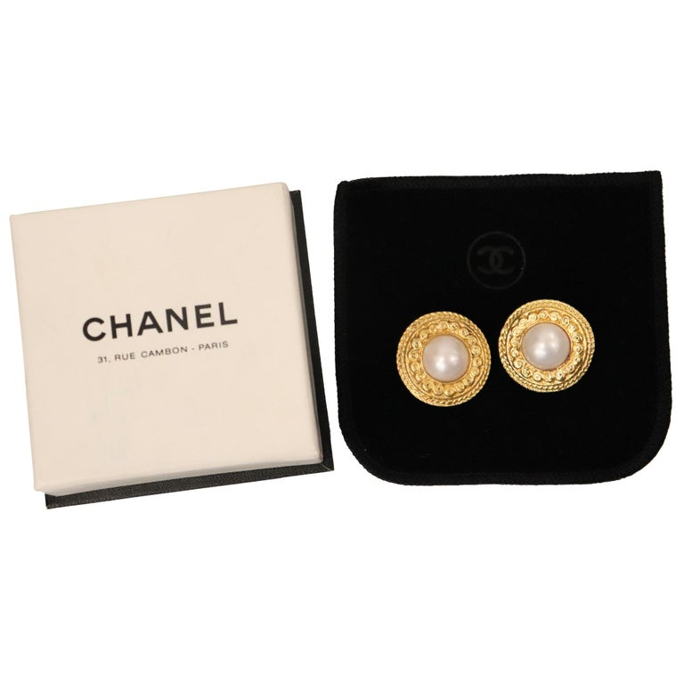 Chanel Round Faux Pearl Gold-tone Plated Metal Clip on Earrings Circa 1980s For Sale 1