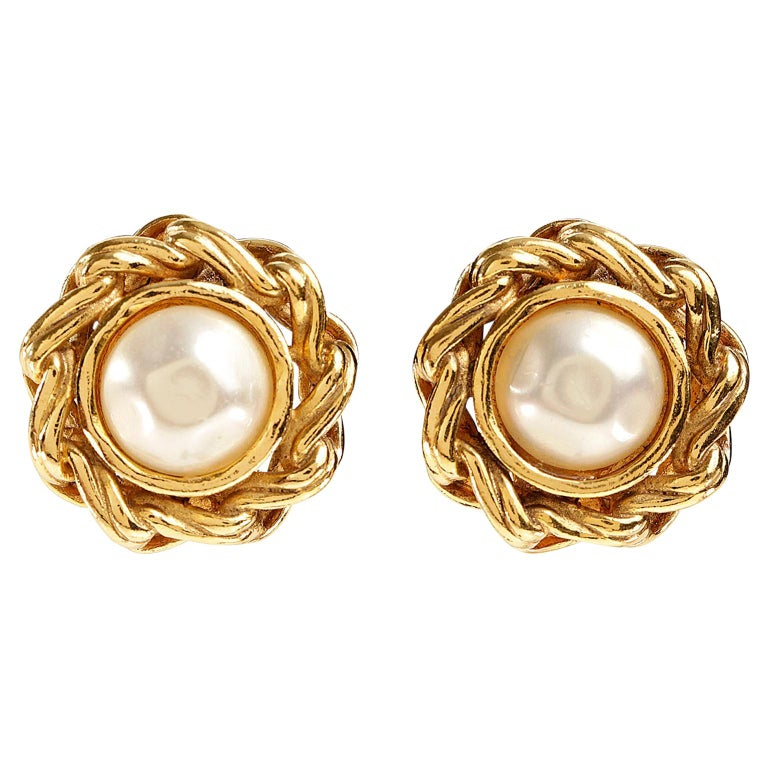 Chanel Round Pearl Clip On Earrings For Sale