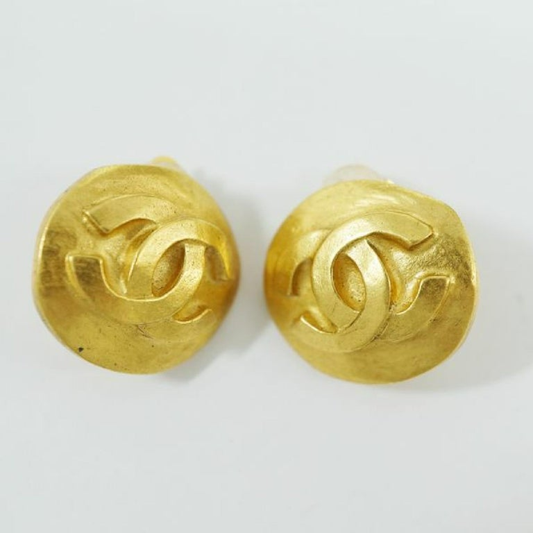 CHANEL round-shaped coco mark GP Womens earrings gold In Good Condition For Sale In Takamatsu-shi, JP