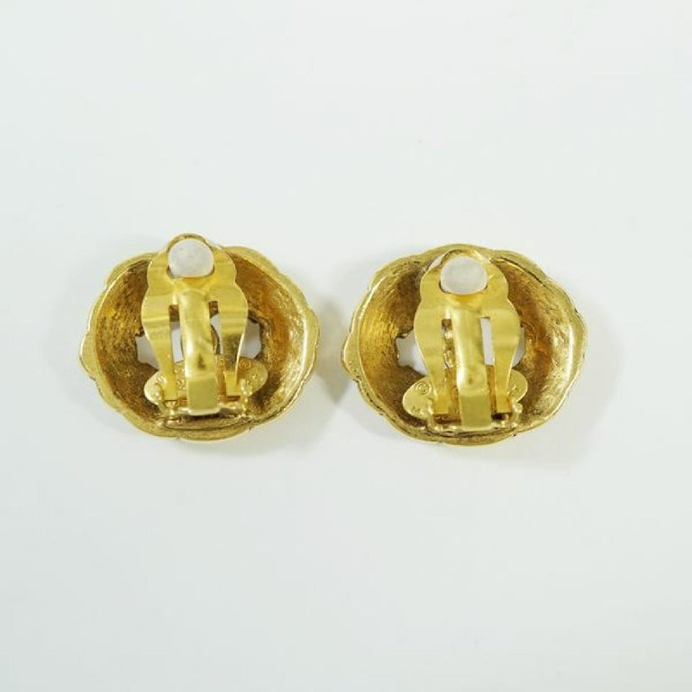 Women's CHANEL round-shaped coco mark GP Womens earrings gold For Sale