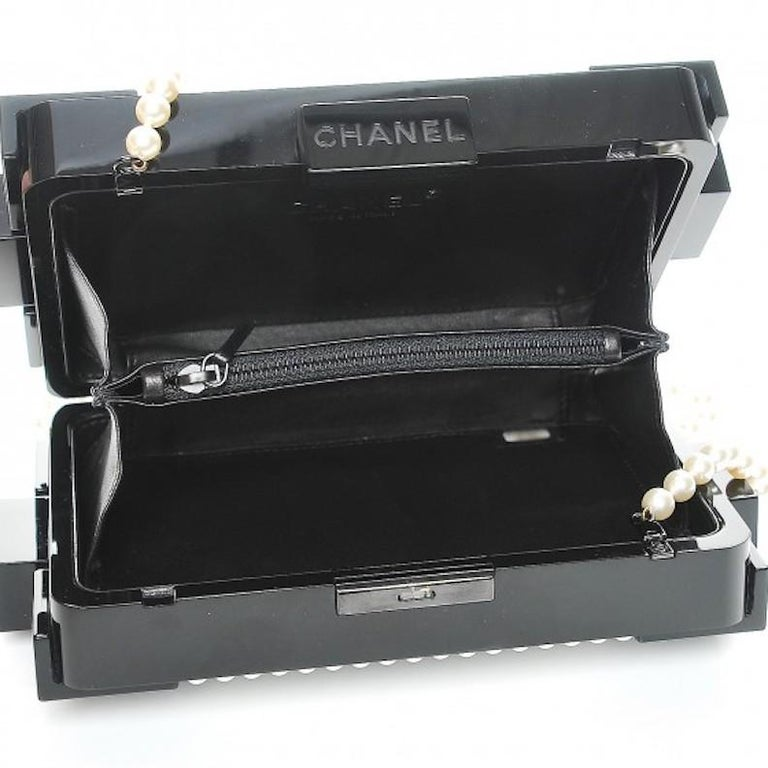 Chanel Runway Black Acrylic Pearl Box 2 in 1 Evening Clutch Shoulder Bag in Box For Sale 1