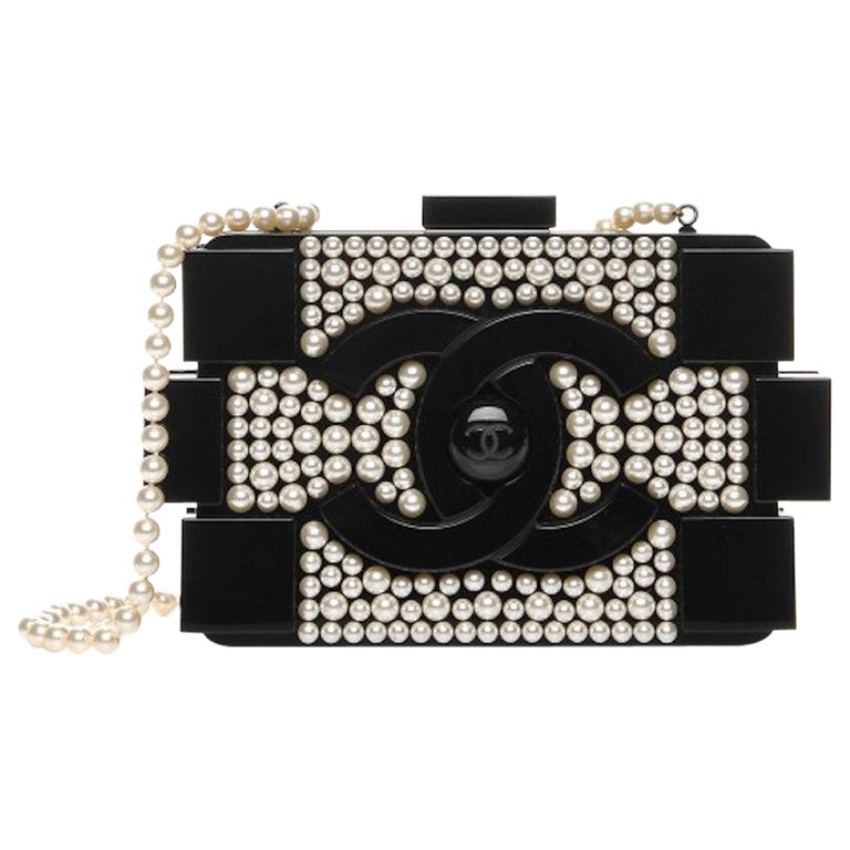 Chanel Runway Black Acrylic Pearl Box 2 in 1 Evening Clutch Shoulder Bag in Box For Sale