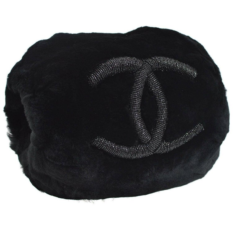 Chanel Runway Black Bead Fur Silver Logo  Evening Muffler Clutch Shoulder Bag In Good Condition For Sale In Chicago, IL