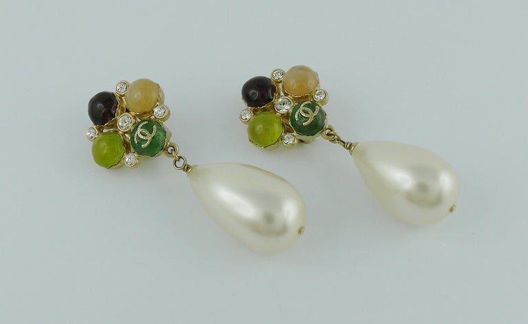Chanel Runway Large Pearl Drop Dangling Earrings Spring 2008 In Good Condition For Sale In Nice, FR