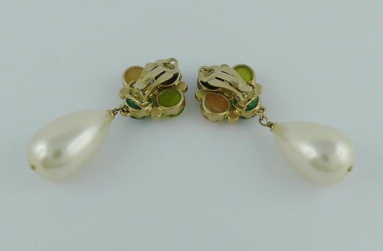 Chanel Runway Large Pearl Drop Dangling Earrings Spring 2008 For Sale 3