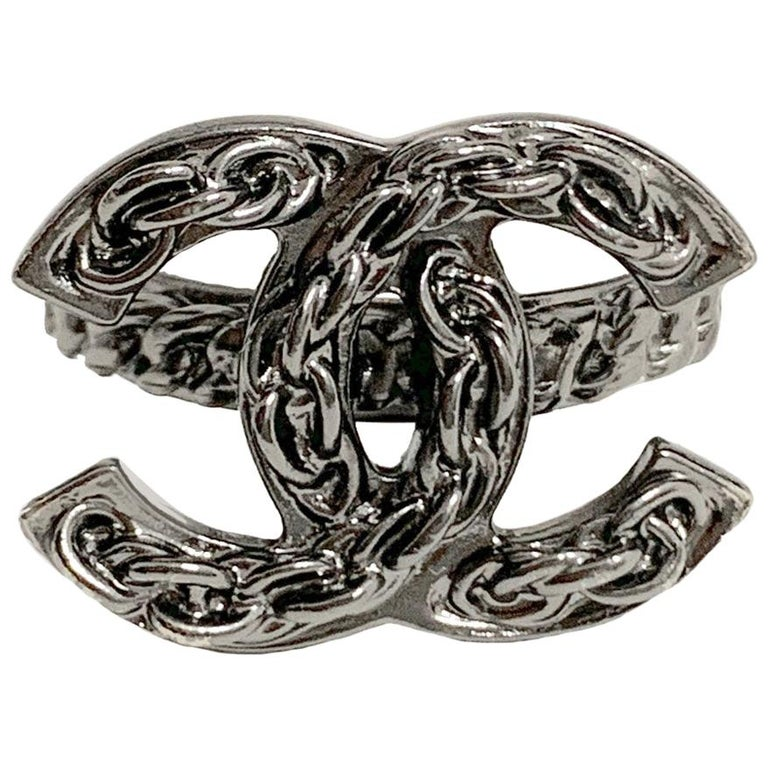 CHANEL Ruthenium Chain Ring CC For Sale