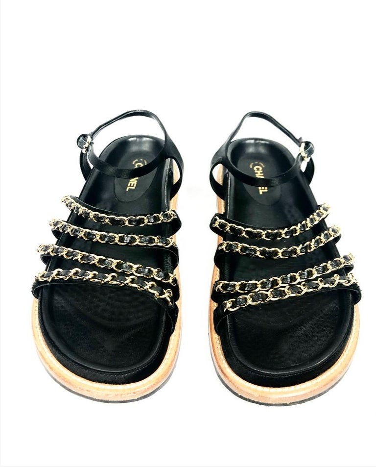 Women's or Men's CHANEL Satin Lambskin Flat Sandals w/ 10mm Chain- Link Strap Size 38 For Sale