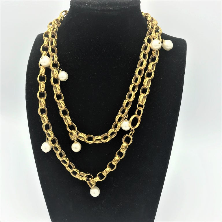 Artisan CHANEL Sautoir made by Robert Goossens, gold plated 1985s  For Sale