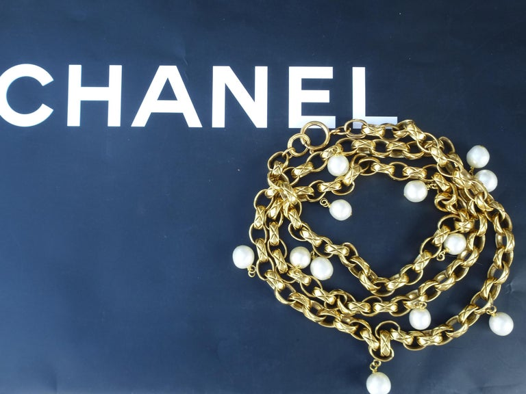 CHANEL Sautoir made by Robert Goossens, gold plated 1985s  In Excellent Condition For Sale In Stuttgart, DE