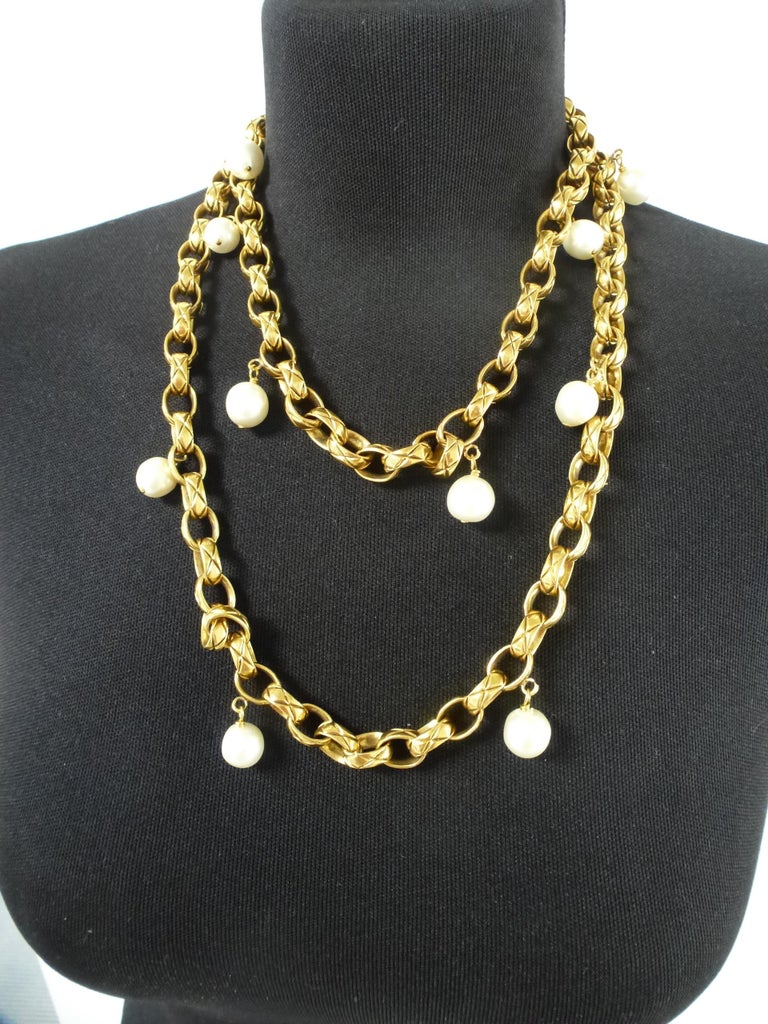 CHANEL Sautoir made by Robert Goossens, gold plated 1985s  For Sale 1