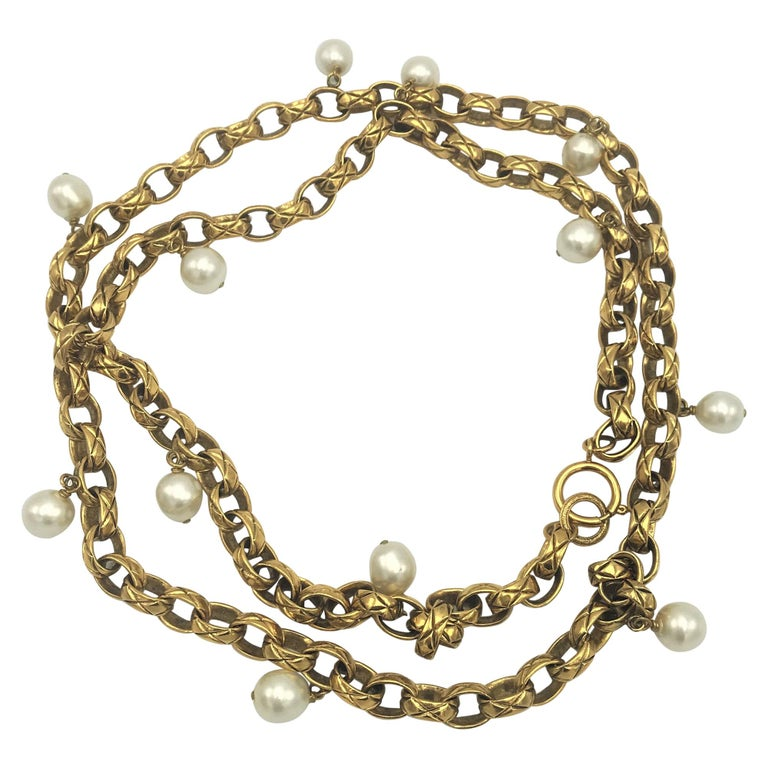 CHANEL Sautoir made by Robert Goossens, gold plated 1985s  For Sale