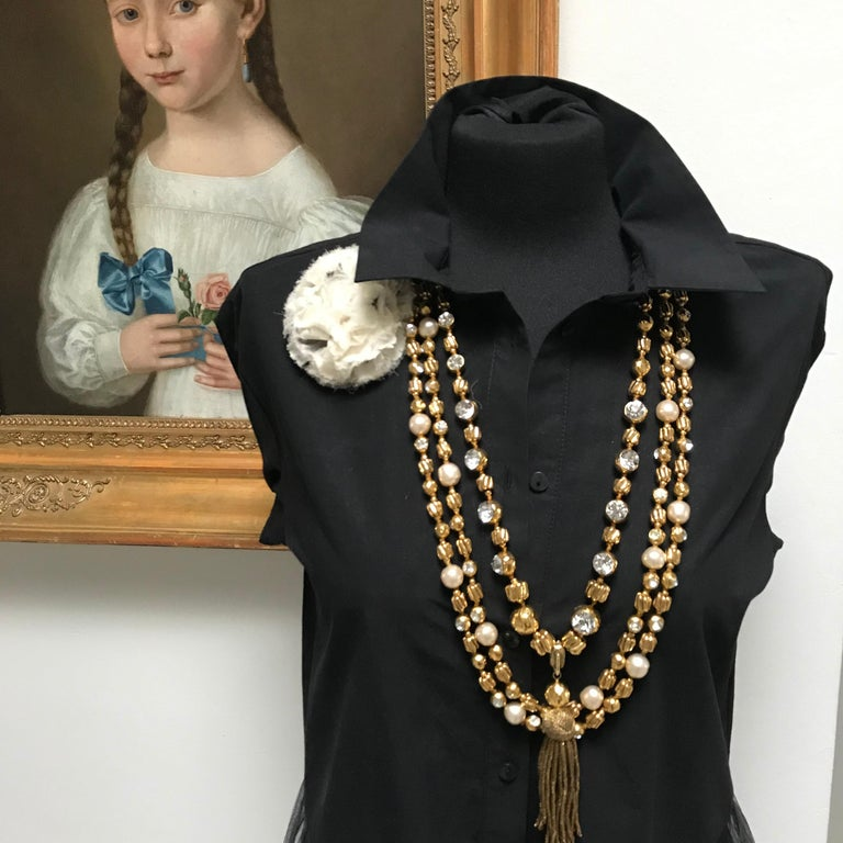 Round Cut Chanel Sautoir by R. Goossens with pearls, 183 cm lang gold plated, 1970/80s  For Sale