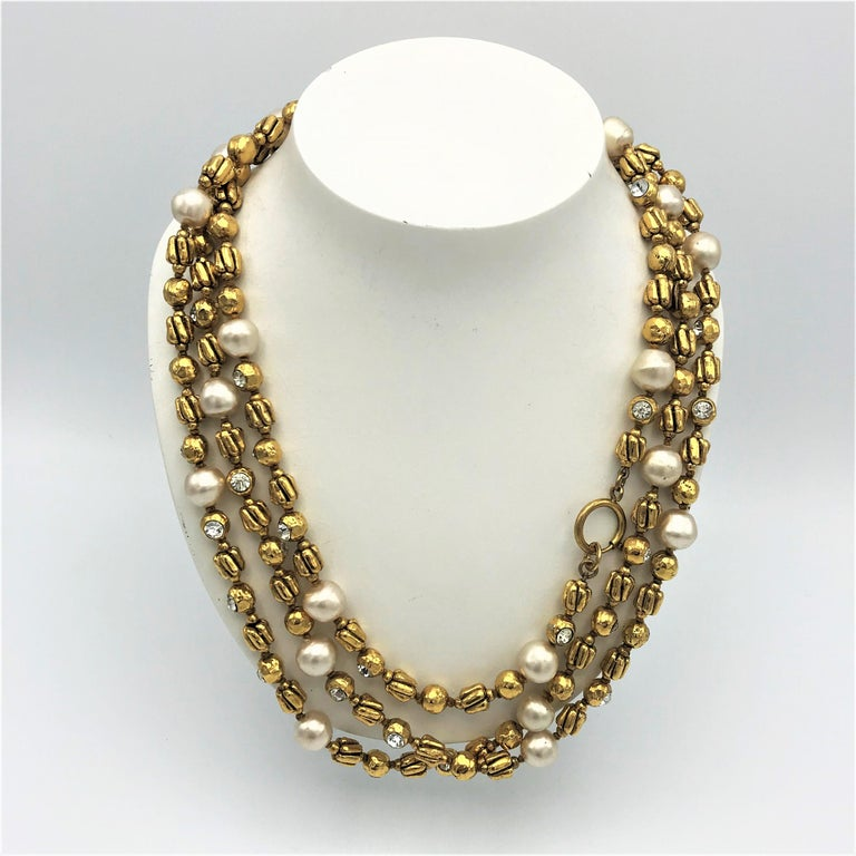 Chanel Sautoir by R. Goossens with pearls, 183 cm lang gold plated, 1970/80s  In Excellent Condition For Sale In Stuttgart, DE