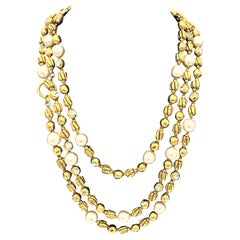 Chanel Sautoir by R. Goossens with pearls, 183 cm lang gold plated, 1970/80s