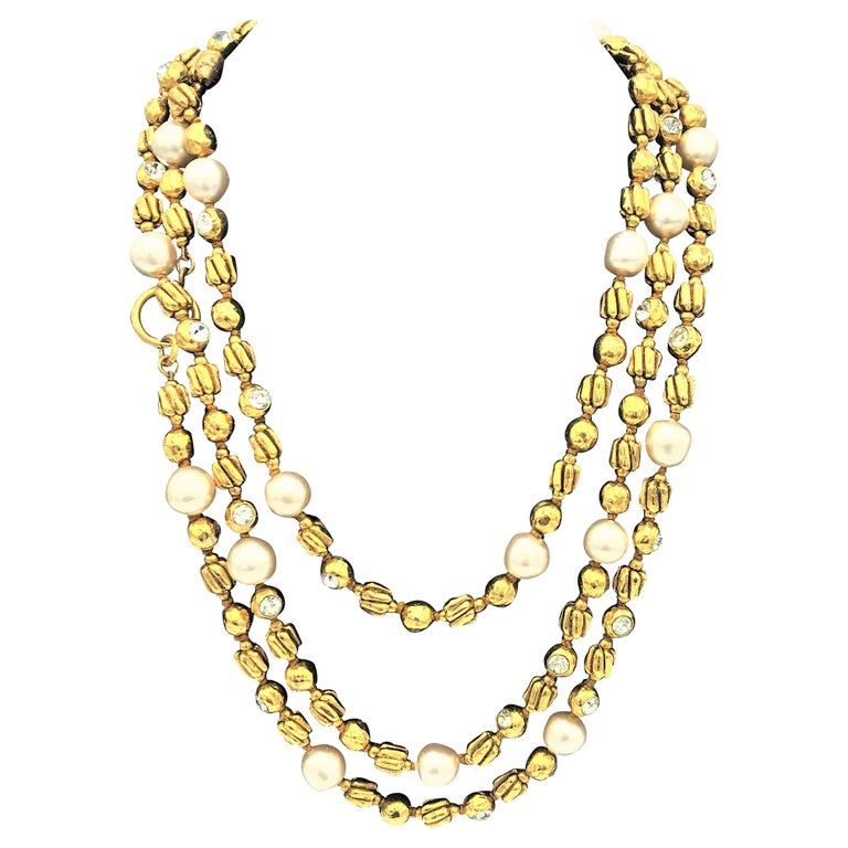 Chanel Sautoir by R. Goossens with pearls, 183 cm lang gold plated, 1970/80s  For Sale