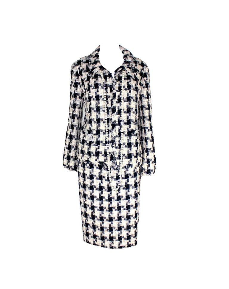 Gray Chanel Signature Lesage Houndstooth Pied de Poule Fantasy Tweed Skirt Suit For Sale