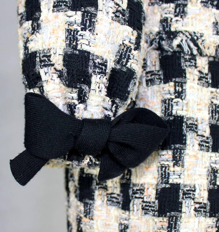 Chanel Signature Lesage Houndstooth Pied de Poule Fantasy Tweed Skirt Suit For Sale 1