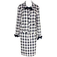 Chanel Signature Lesage Houndstooth Pied de Poule Fantasy Tweed Skirt Suit