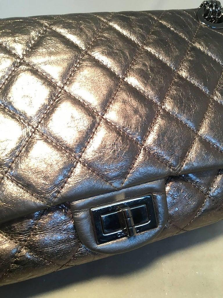 Chanel Silver Aged Calfskin 2.55 Reissue 227 Double Flap Classic Shoulder Bag For Sale 2