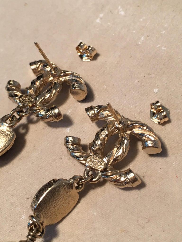 Chanel Silver CC logo Teardrop Pearl Dangle Earrings For Sale 3