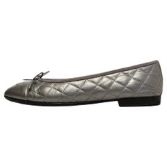 Chanel Silver Leather Quilted CC Ballet Flats sz 39.5 rt $795