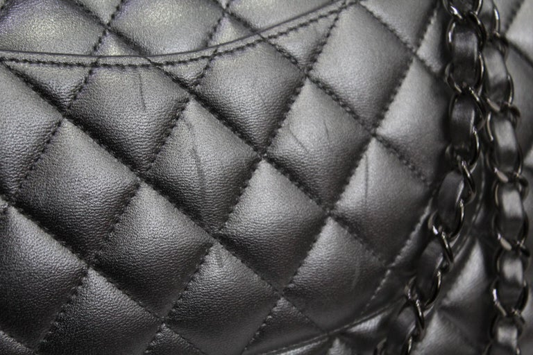 c228329f65c2 Chanel Silver Metallic Quilted Lambskin Jumbo Classic Double Flap Bag In  Good Condition For Sale In
