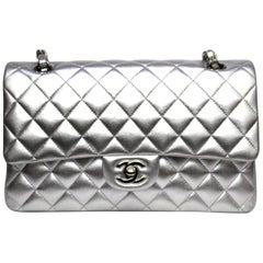 e2a7c575f67a Chanel Silver Metallic Quilted Lambskin Jumbo Classic Double Flap Bag