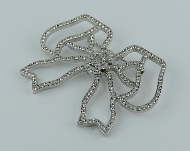 Chanel Silver Toned Jewelled Bow Brooch For Sale 1