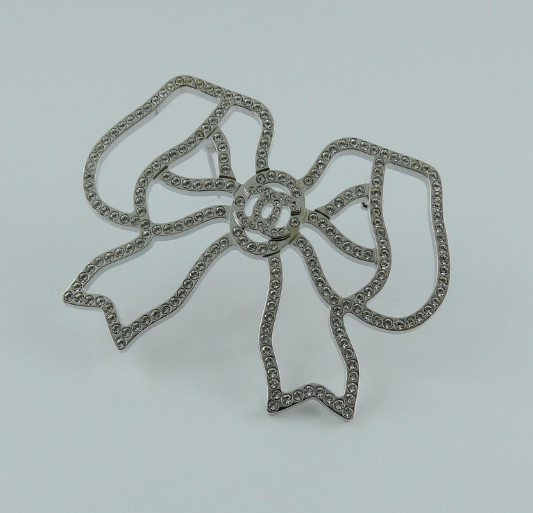 Chanel Silver Toned Jewelled Bow Brooch For Sale 3