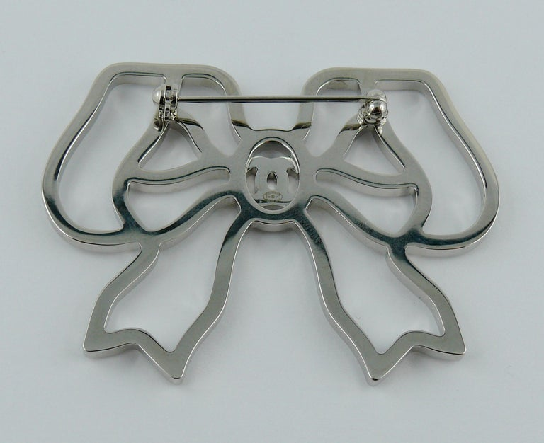 Chanel Silver Toned Jewelled Bow Brooch For Sale 4